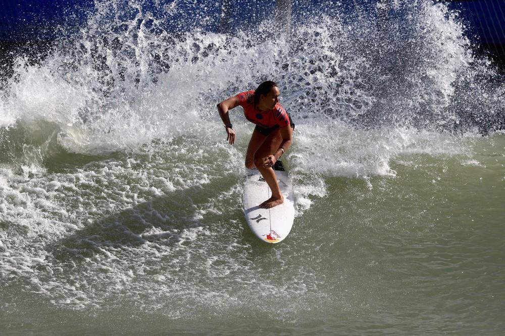 Campeã da etapa de Surf Ranch Pro da WSL